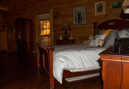 img_6305_bedroom1